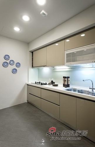 简约 二居 厨房图片来自用户2737950087在12万装132平大气3居婚房93的分享