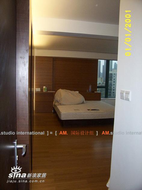 简约 三居 卧室图片来自用户2737786973在单身男人的家27的分享
