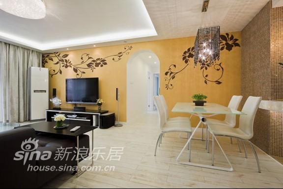 简约 三居 客厅图片来自用户2556216825在香港丽苑77的分享