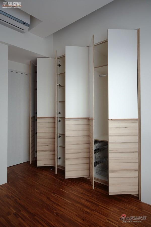 北欧 二居 衣帽间图片来自幸福空间在在北欧简约中混搭德式精工时尚风情41的分享