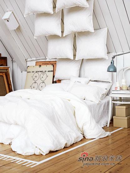 简约 二居 卧室图片来自用户2558728947在75平阁楼房两居 开放式布局挑战空间93的分享
