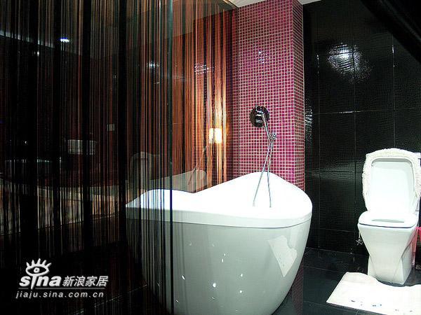 简约 二居 卫生间图片来自用户2737759857在---冷静与妖娆共存---粉与黑的和谐22的分享
