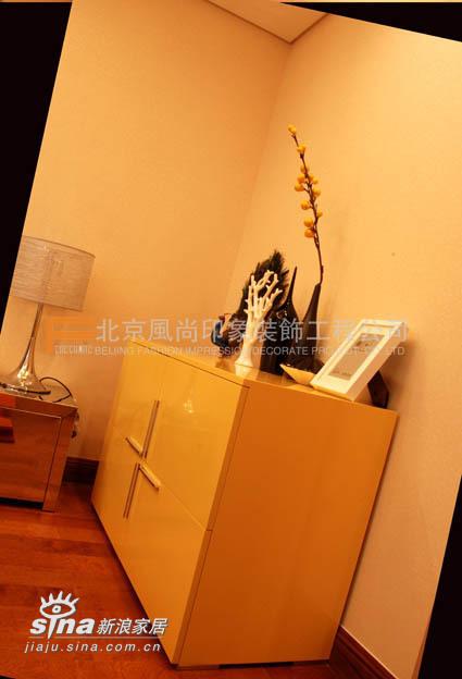 简约 三居 卧室图片来自用户2737786973在浪漫满屋83的分享