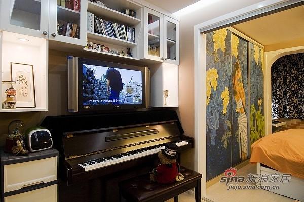 简约 一居 客厅图片来自用户2745807237在30平小户型扩大空间仅2万71的分享