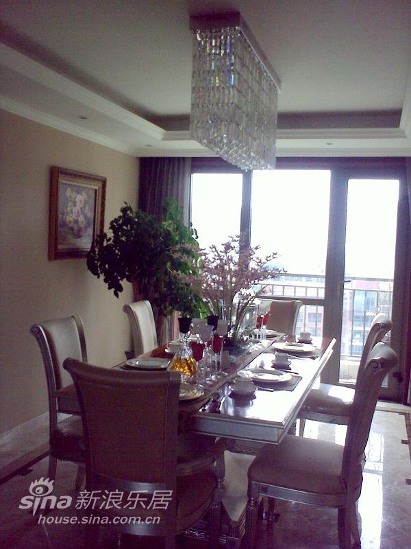 欧式 三居 客厅图片来自用户2746953981在实景:浅粉的童话空间设计71的分享