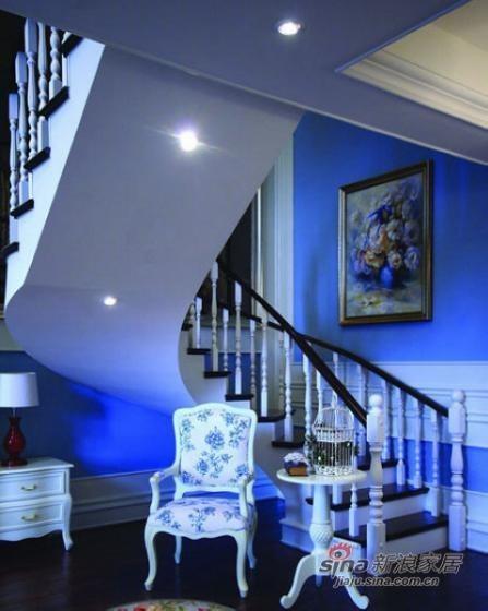 地中海 复式 楼梯图片来自用户2757320995在美人鱼的奢华世界 82平方梦幻感蓝色复式家装41的分享
