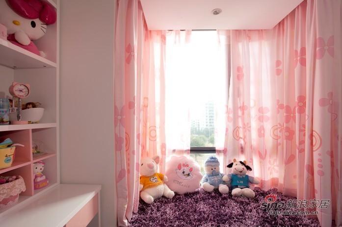 简约 二居 客厅图片来自用户2558728947在黑与白家居永恒经典71的分享
