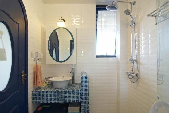 地中海 loft 卫生间图片来自用户2756243717在12万完美铸造浪漫地中海情调loft58的分享