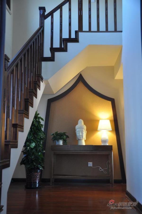 新古典 别墅 玄关图片来自用户1907664341在我的专辑578834的分享