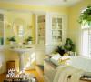 瓷砖拼贴方法的变化多端使浴室也呈现多样的变幻,色彩的配合运用、形状的多样搭配、装饰线条的精心设计都赋予浴室全新的感觉