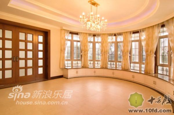 别墅的特殊结构180度景观房一楼
