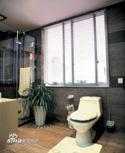 欧式 别墅 卫生间图片来自用户2772873991在业之峰装饰润泽庄园别墅65的分享