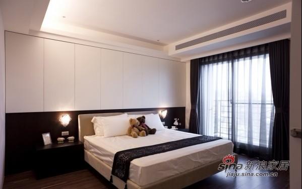 简约 一居 卧室图片来自用户2557979841在8万打造120平简约时尚3居98的分享