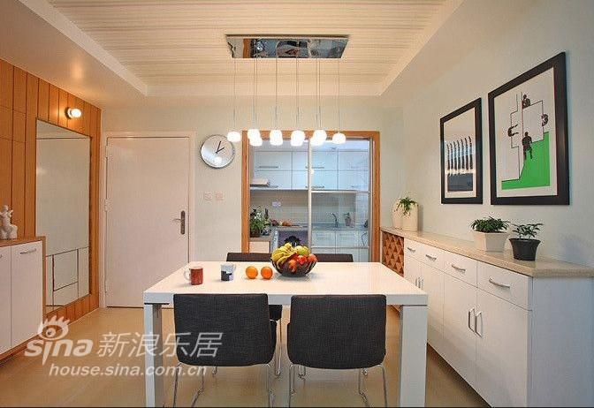 简约 二居 客厅图片来自用户2745807237在80后房奴省钱打造婚房33的分享