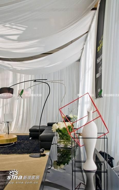 简约 一居 客厅图片来自用户2745807237在展览小空间用软装做点温柔66的分享