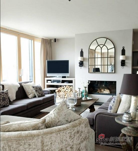 新古典 别墅 客厅图片来自用户1907701233在309平米新古典低碳湖畔大宅61的分享