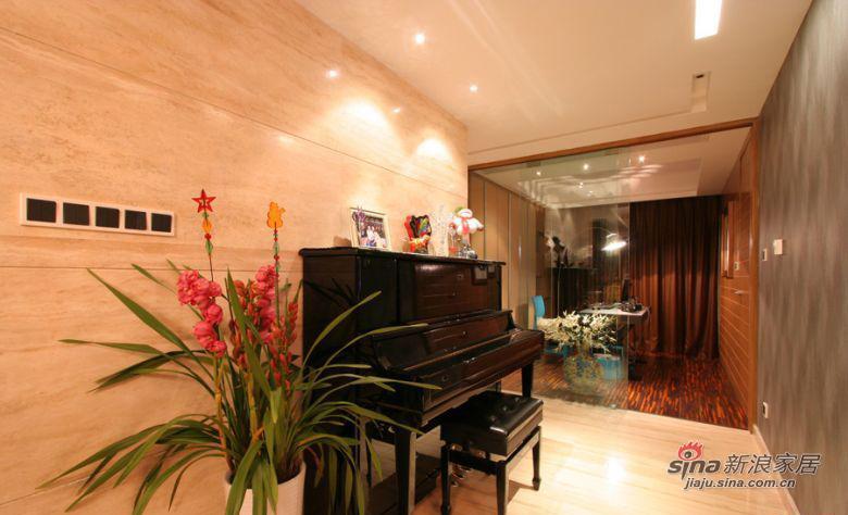 现代 三居 客厅图片来自装修微日记在【高清】114平古朴典雅现代3居室64的分享