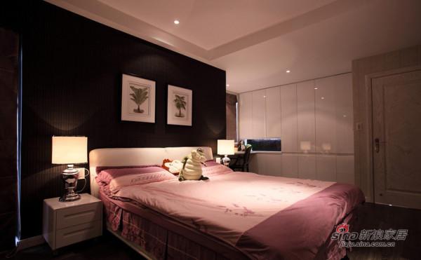 卧室装扮十分温馨