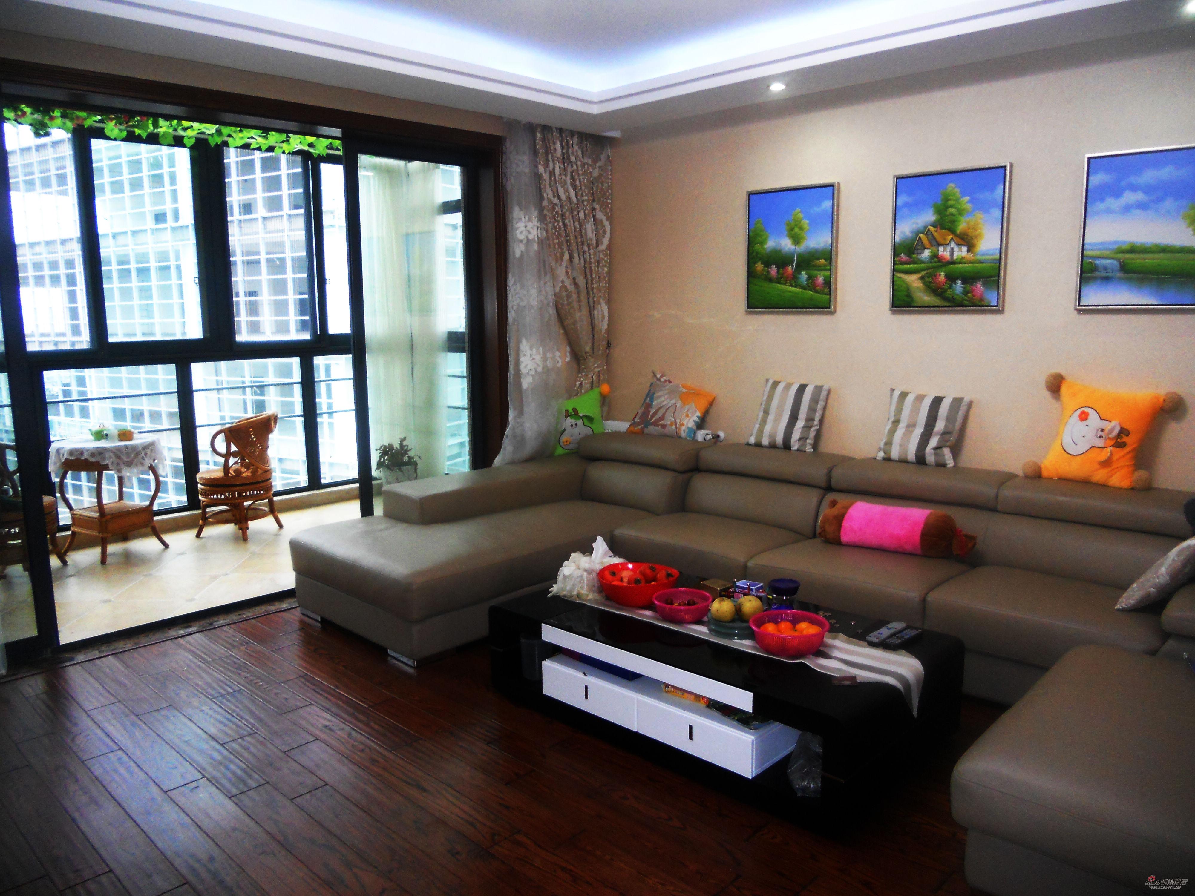 混搭 三居 客厅图片来自用户1907689327在经典生活-150平米完美设计63的分享