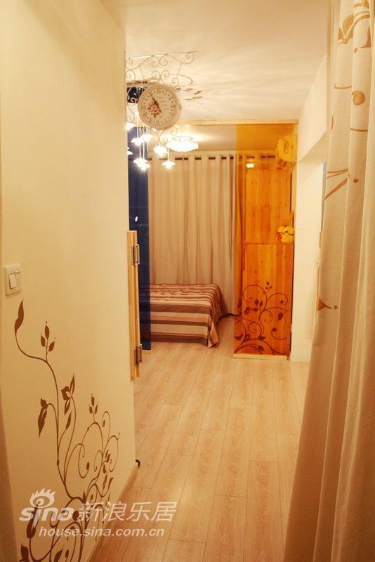 简约 二居 客厅图片来自用户2739081033在彩虹下的紫罗兰93的分享
