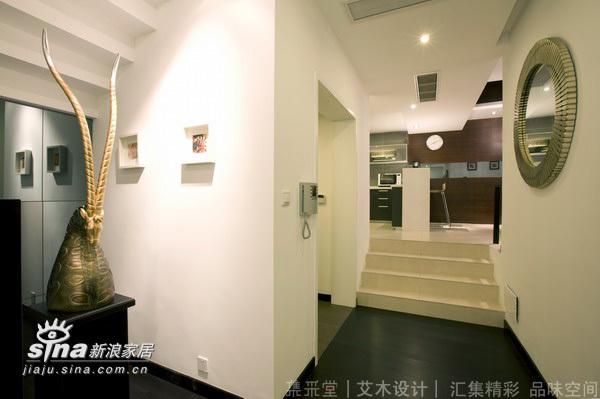 简约 别墅 玄关图片来自用户2737782783在低调的别墅生活(实景版)11的分享