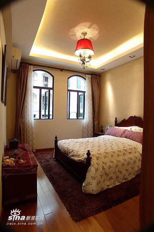 欧式 跃层 卧室图片来自用户2746869241在20万元装修240平米公寓-欧式王妃享受66的分享