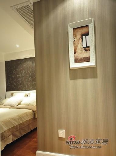 混搭 二居 卧室图片来自用户1907691673在80后夫妻5万打造67平甜蜜婚房88的分享