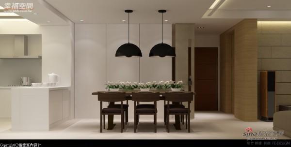 餐厨区因空间较小,以浅色漆面放大场域视感