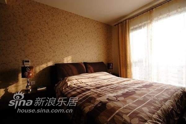 简约 四居 卧室图片来自用户2737950087在四室两厅大户型 好冷酷的装修37的分享