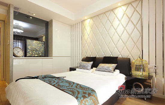 简约 二居 卧室图片来自佰辰生活装饰在新婚夫妻90平现代2居婚房94的分享