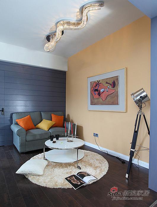 现代 三居 客厅图片来自用户2771250253在9万装88平艺术爱侣3居86的分享