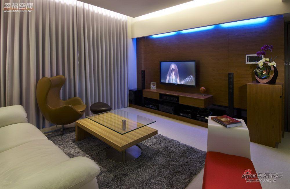 北欧 二居 客厅图片来自幸福空间在在北欧简约中混搭德式精工时尚风情41的分享