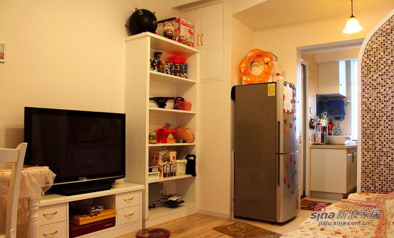 简约 二居 客厅图片来自装修微日记在【高清】45平温馨甜蜜简约二人世界67的分享