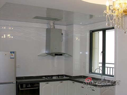 欧式 三居 厨房图片来自用户2557013183在小夫妻120平现代欧式三居51的分享