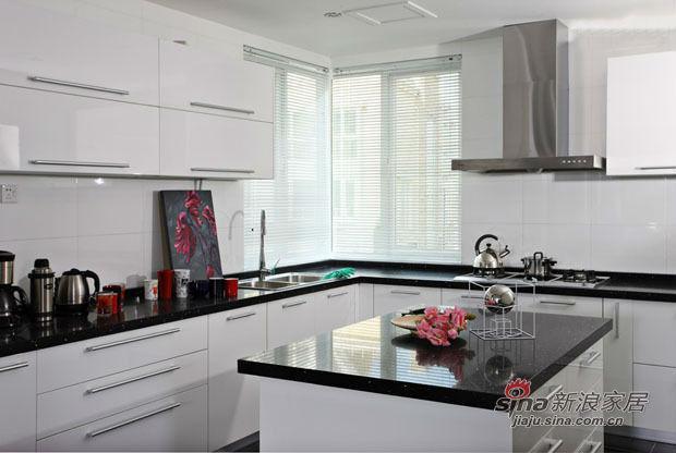 其他 三居 厨房图片来自用户2557963305在20万打造硬朗黑白搭配甜美风三居室25的分享