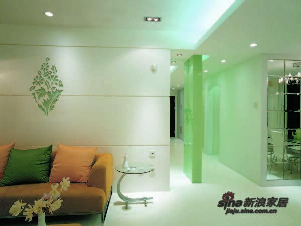 简约 三居 客厅图片来自用户2737786973在126平现代简约三居室 38的分享
