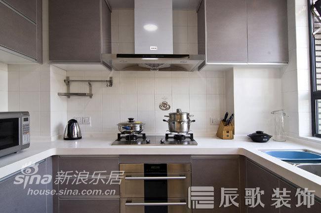 简约 三居 客厅图片来自用户2737782783在东源名都—用线条打造时尚居室56的分享