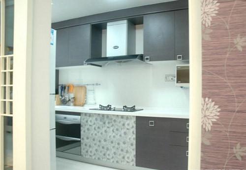 简约 三居 厨房图片来自用户2738093703在132平米薰衣草清新家居3居室63的分享