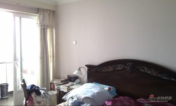 欧式 三居 卧室图片来自用户2745758987在6.8万打造101平米老房翻新简欧风格装修32的分享
