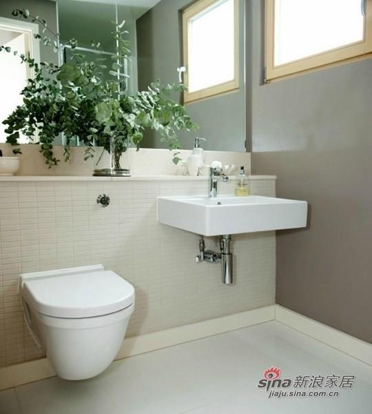 新古典 别墅 卫生间图片来自用户1907701233在309平米新古典低碳湖畔大宅61的分享