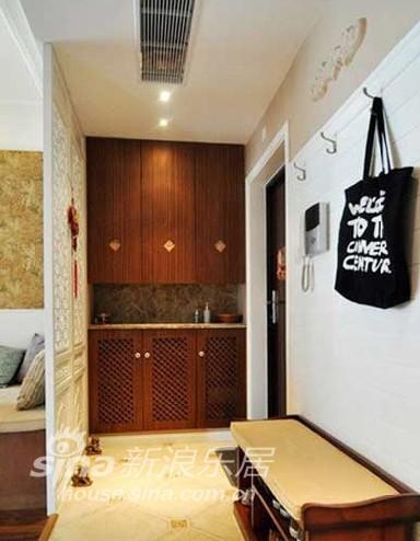 中式 二居 客厅图片来自用户1907659705在111平米2房的幸福三口之家76的分享