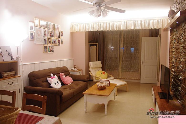 混搭 二居 客厅图片来自佰辰生活装饰在新蓝领夫妻75平简约混搭之家81的分享