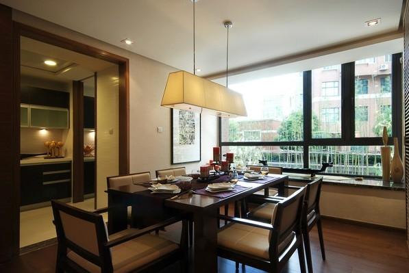 中式 三居 餐厅图片来自用户1907659705在12.6万铸造150平新中式三居室爱家81的分享