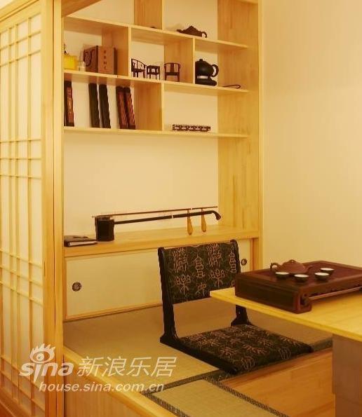 简约 二居 客厅图片来自用户2559456651在84平1房2厅小户型榻榻米作书房 打造日式风47的分享