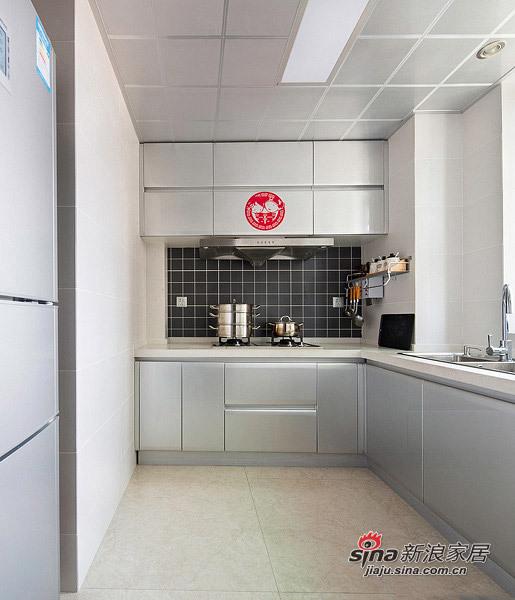 简约 二居 厨房图片来自用户2745807237在4.5万改造85平现代简约婚房93的分享