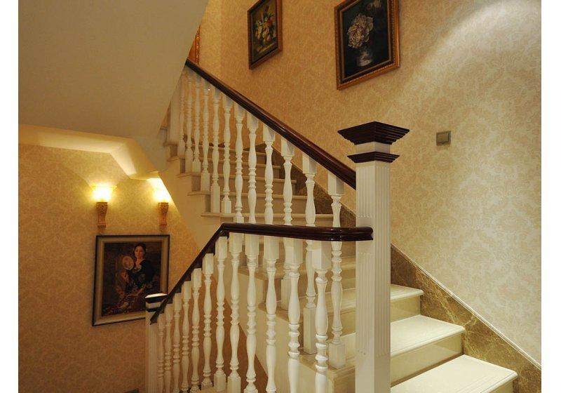 欧式 别墅 楼梯图片来自用户2746953981在阿凯笛亚庄园跨越巴洛克89的分享