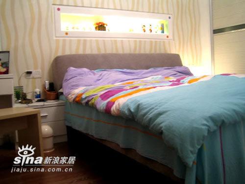 简约 三居 卧室图片来自用户2745807237在狂晒现代简约之家23的分享