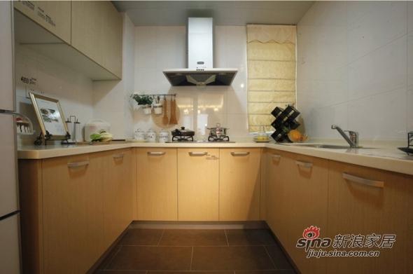 欧式 三居 厨房图片来自用户2557013183在实景8万美装140平欧式大气3居83的分享