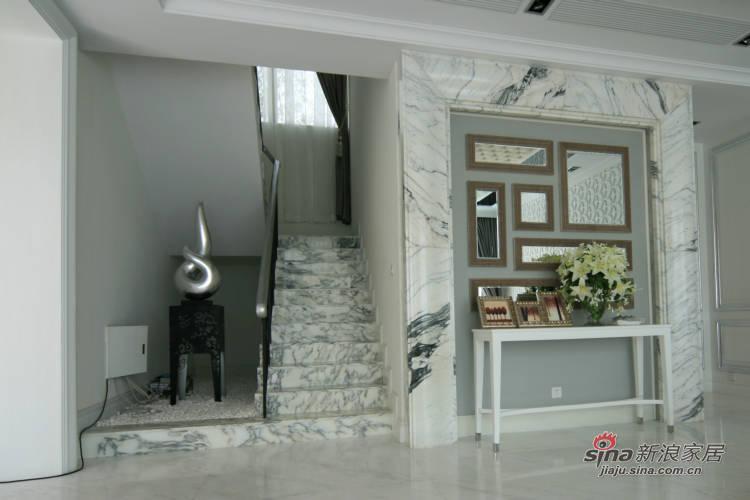 欧式 别墅 客厅图片来自用户2757317061在24万豪装180平现代欧式别墅68的分享