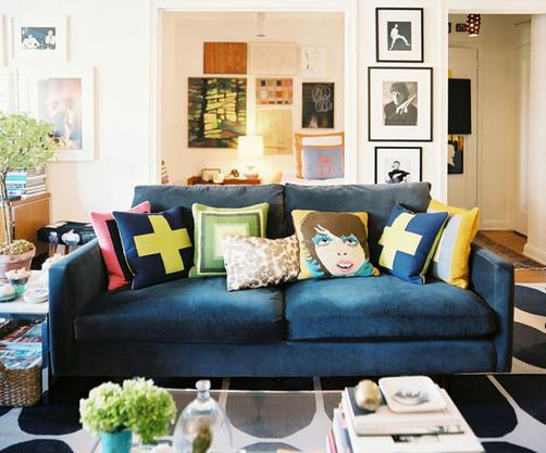 靠垫能让单调的沙发活泼起来